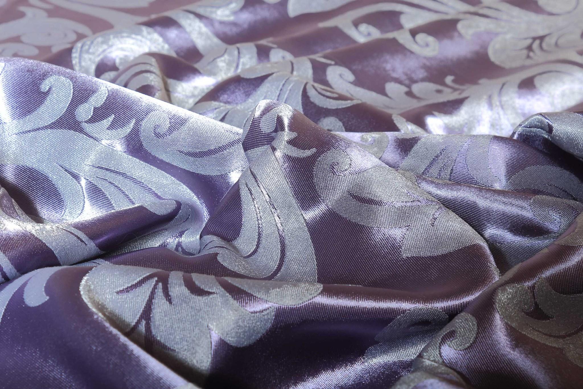 Валенсия (фиолетовый) .Готовая штора блэкаут жаккард с орнаментом в виде вензеля из шенила.