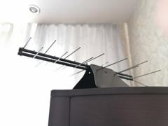 КОМНАТНАЯ ЦИФРОВАЯ АКТИВНАЯ НАПРАВЛЕННАЯ ТЕЛЕВИЗИОННАЯ АНТЕННА Триада-3209/antenna.ru