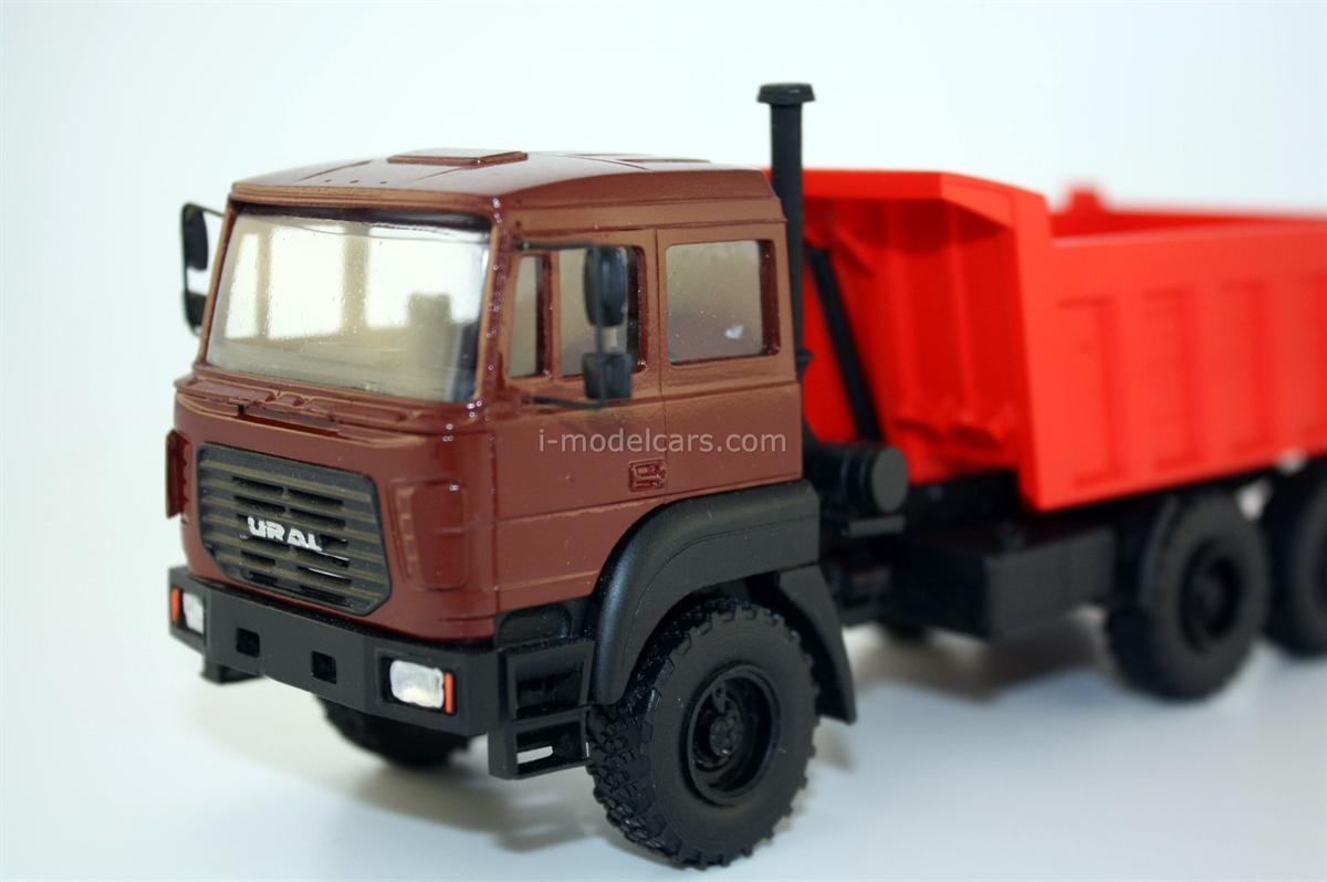 Ural-55571-3121-80 6x6 Ural-M (cab over engine type R) handmade 1:43