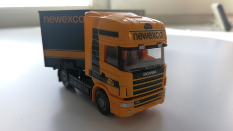 Грузовик Scania 144 с полуприцепом Newexco