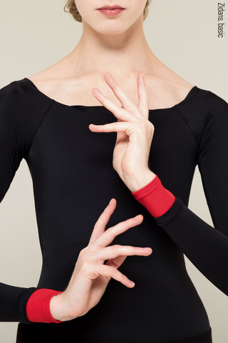 4 Sleeves leotard