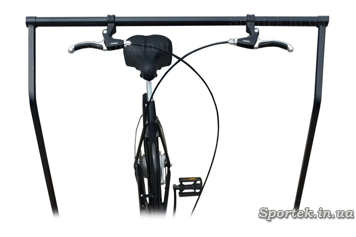 Седло и управление платформой у трехколесного велосипеда 'Арден'