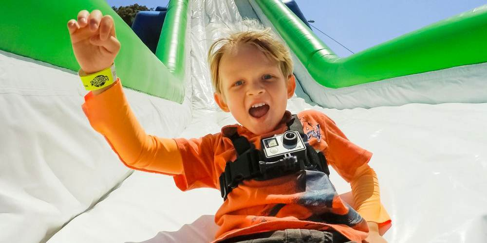 Детское крепление на грудь GoPro Jr. Chesty: Chest Harness (ACHMJ-301) пример на ребенке
