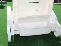 Шезлонг складной на колесах с ящиком. Цвет: Белый