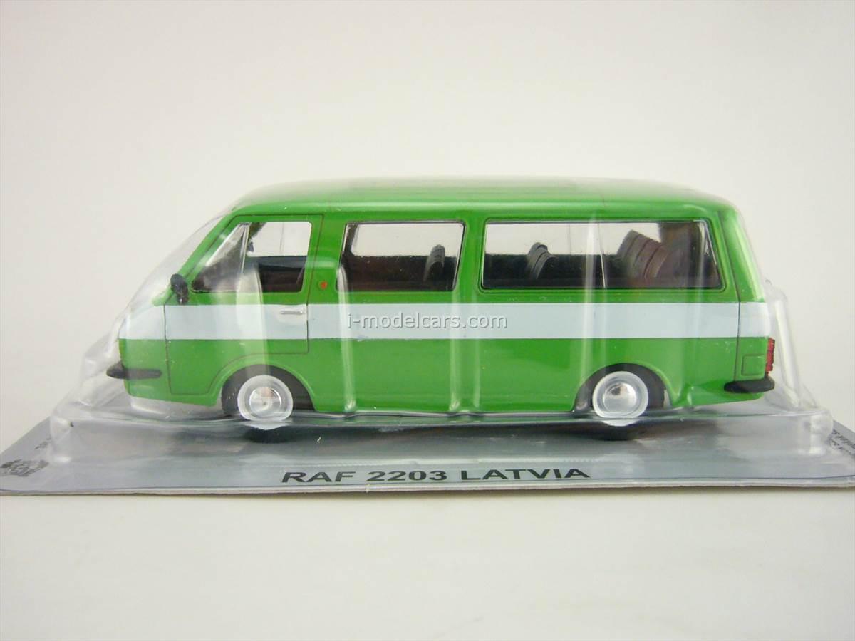 RAF-2203 Latvia green 1:43 DeAgostini Kultowe Auta PRL-u #63