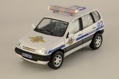 VAZ-2123 Chevrolet-Niva Police and Ambulance Cararama set 1:43