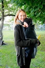 Двухстронняя водоотталкивающая накидка для слингоношения с шапочкой для малыша МаМ Deluxe Cover, Черный