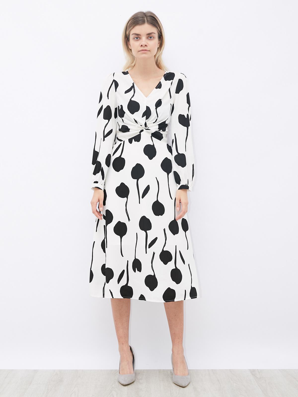 Платье с принтом и защипом на груди