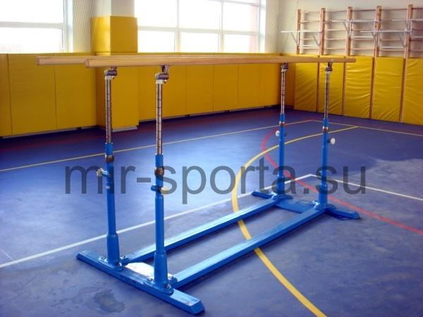 Брусья гимнастические мужские параллельные с деревянными жердями