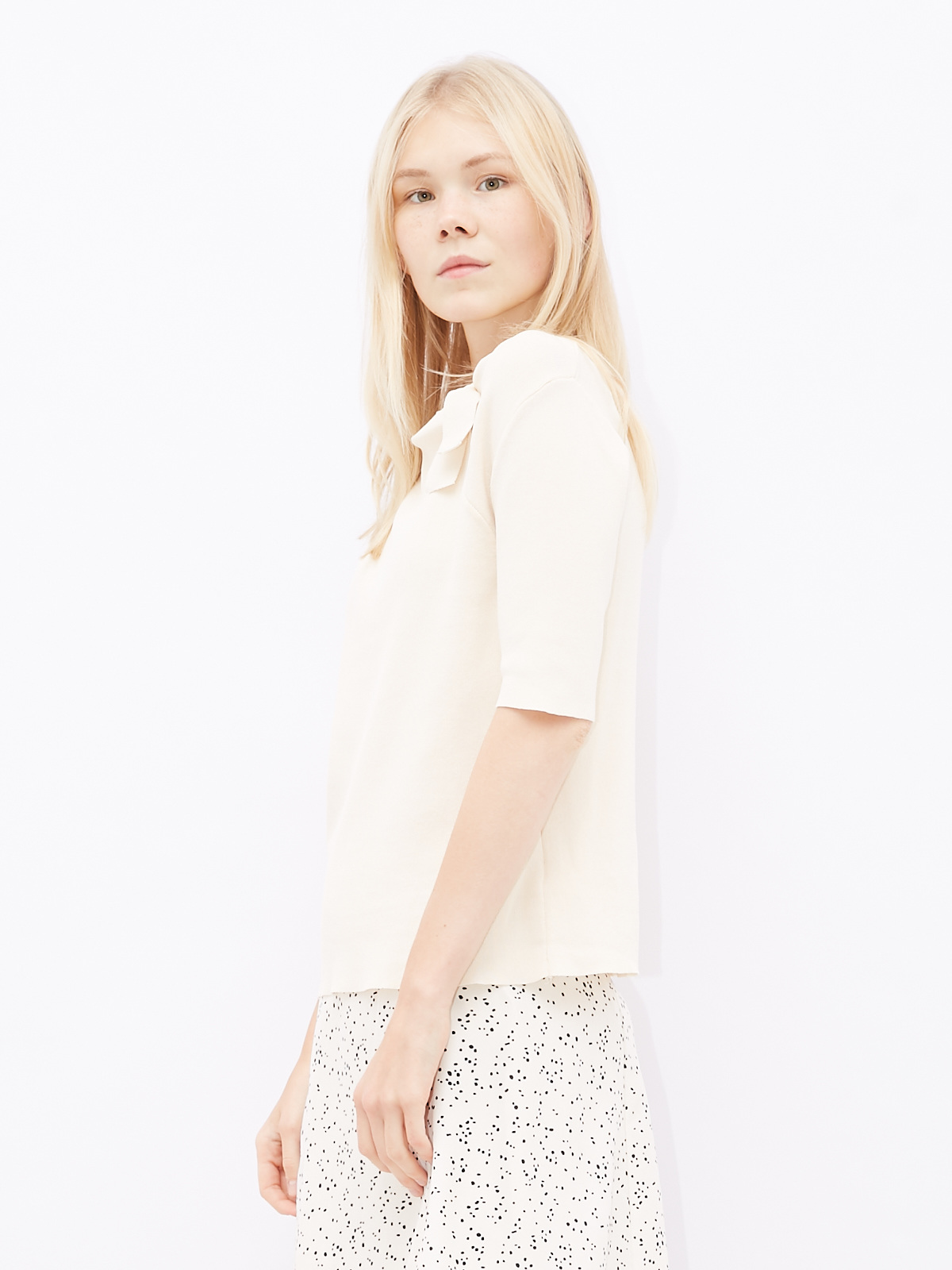Блуза трикотажная с завязкой