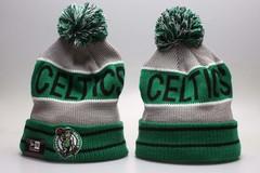 Шерстяная вязаная шапка футбольного клуба Celtics Boston NFL (Бостон) с помпоном