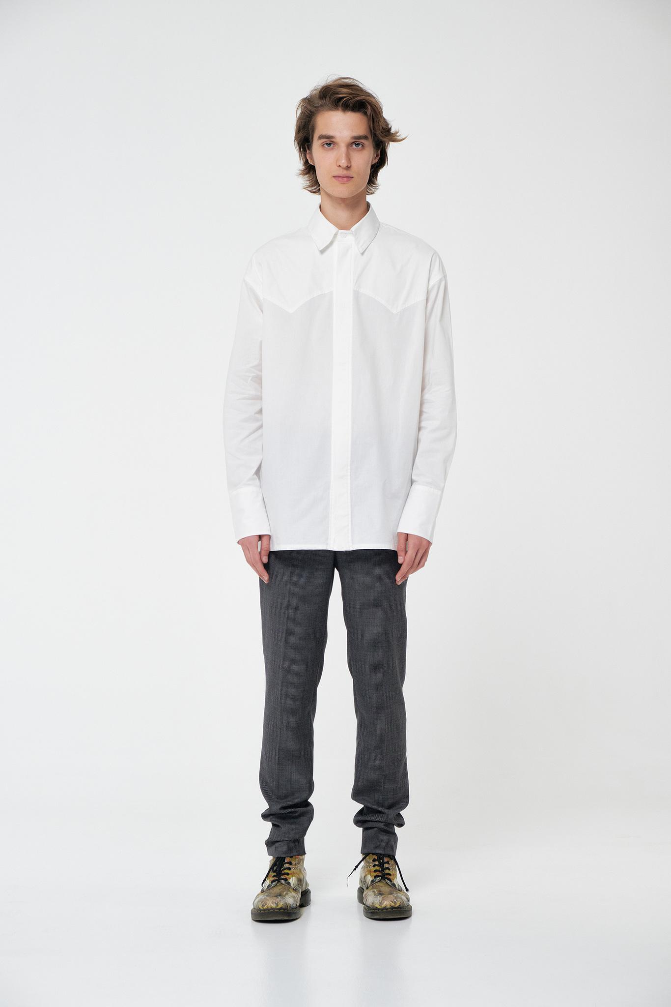Рубашка с фигурной кокеткой белая