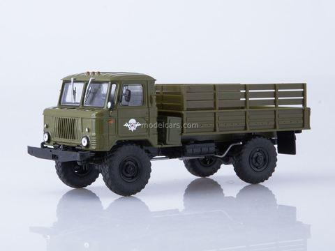 GAZ-66 4x4 (Gorky) Airborne troops khaki 1:43 Our Trucks #38