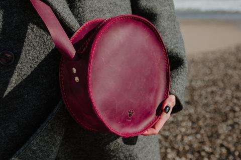 Круглая сумка из натуральной кожи