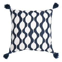 Чехол для подушки с кисточками Traffic серо-синего цвета Cuts&Pieces 45х45 Tkano