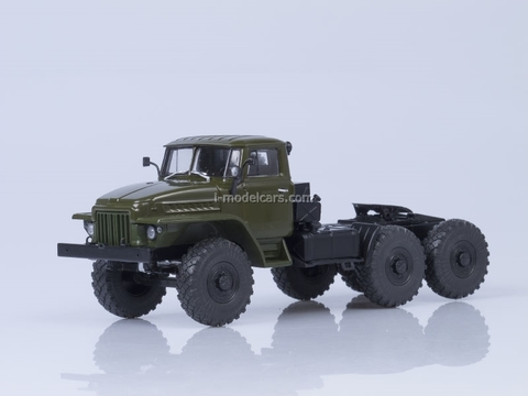 Ural-377S 6x4 truck tractor 1965 khaki 1:43 AutoHistory