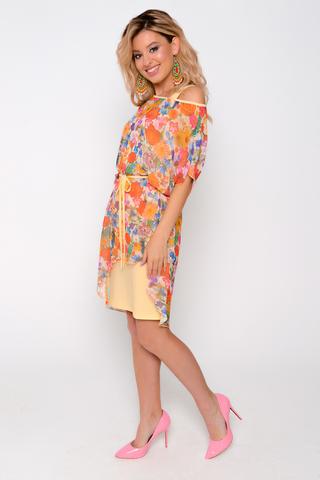 Пленительное платье «двойка», состоящее из прилегающего трикотажного платья с круглым вырезом и платья из воздушного шифона  с вырезом «лодочка». В комплект входит поясок. (Длина трикотажного платья 46 -48 =96см; 50 =102см  52-104см)