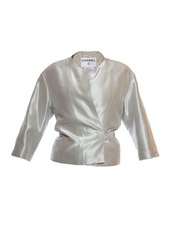 Элегантный вечерний жакет жемчужно-серебристого цвета от Chanel, 36 размер