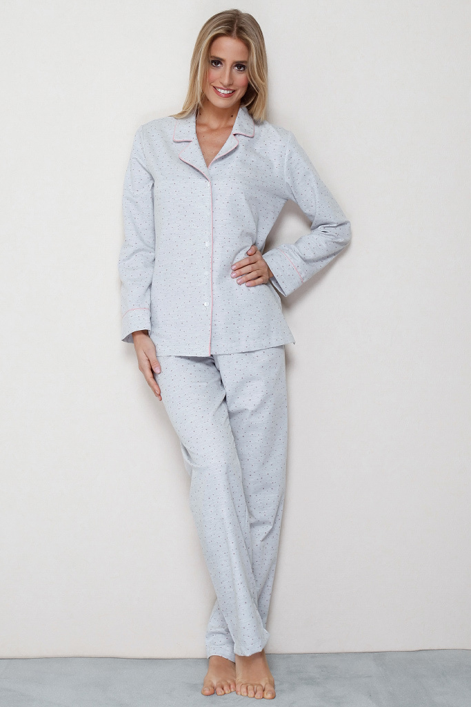 Теплая пижама классического кроя DolceVita