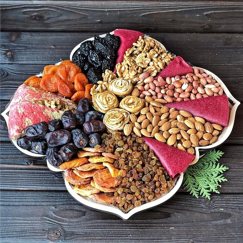 Фотография Подарочная корзина орехов и сухофруктов, 2,5 кг, №10 купить в магазине Афлора