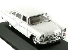 GAZ-13 Tchaika white 1965 IST085 IST Models 1:43