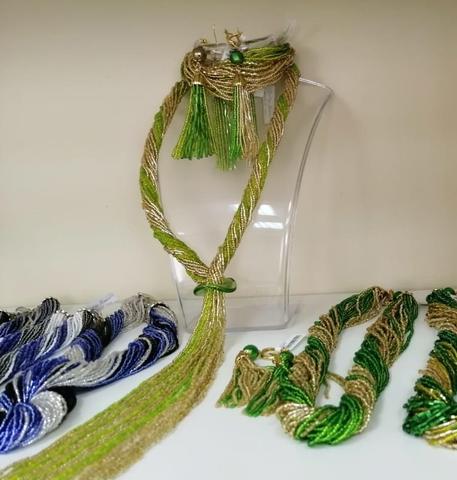 Бисерный галстук из 18 нитей зелено-золотистый
