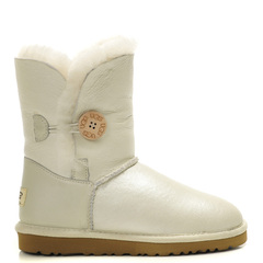 /collection/zhenskie-uggi/product/ugg-bailey-button-metallic-white