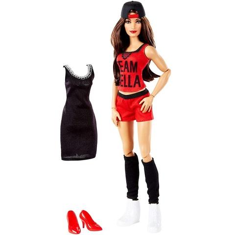 Никки Белла с дополнительным нарядом. Суперзвезды WWE