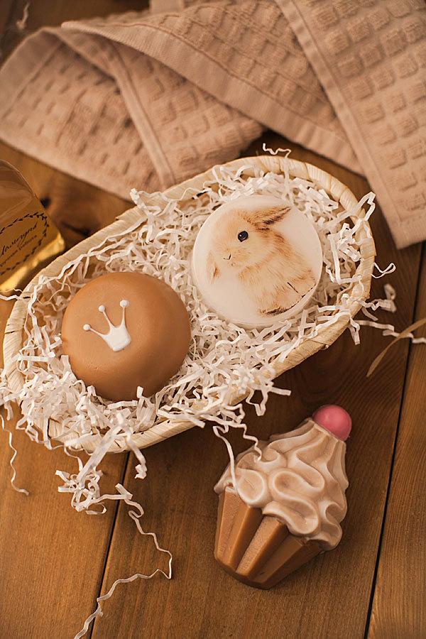 Мыло Корона, изготовленное в пластиковой форме