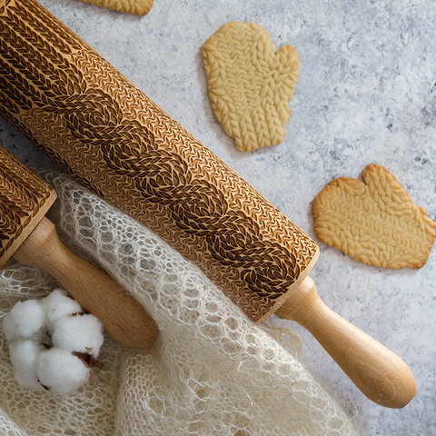 KNITTING WITH CABELS - engraved rolling pin