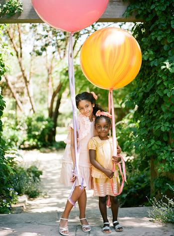 Мраморный воздушный шар 70 см. желтый (2 фото)
