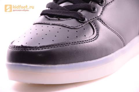 Светящиеся высокие кроссовки с USB зарядкой Fashion (Фэшн) на шнурках и липучках, цвет черный, светится вся подошва. Изображение 6 из 22.