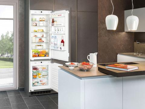 Высокий встраиваемый холодильник Liebherr SBS 33I2 Comfort