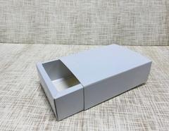 Коробка 17.5х12.5х5.5 см, картон, с бортиком 1 см,