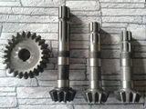 Вал-шестерня редуктора привода щетки  (L = 220мм)