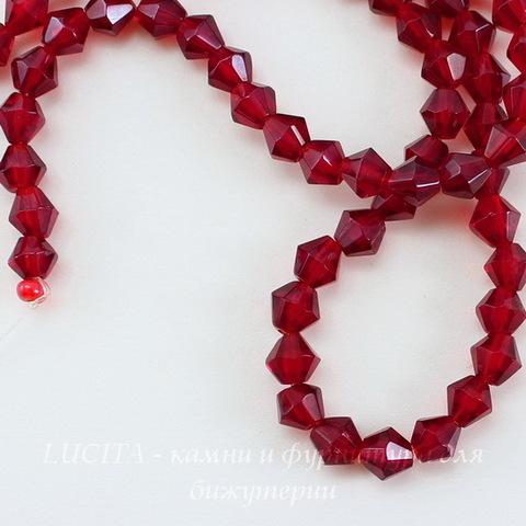 Бусина стеклянная, биконус, цвет - темный красный с перламутром, 4 мм, нить