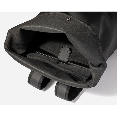 Картинка рюкзак городской Tretorn Malmo Rolltop 18L Black