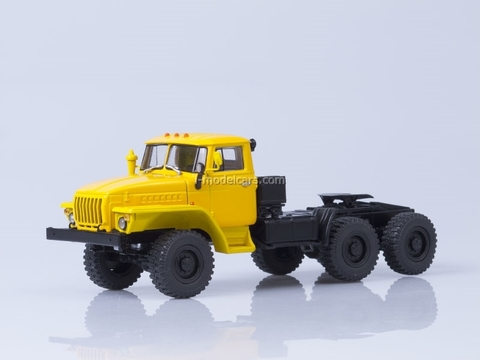 Ural-44202 6x6 truck tractor yellow 1:43 AutoHistory