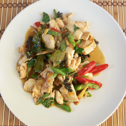 https://static-eu.insales.ru/images/products/1/2352/78637360/pad_cha_chicken.jpg