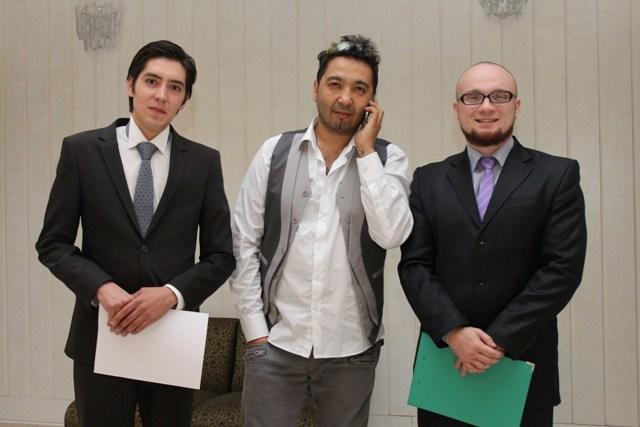 Телеведущий Тахир Султан, радио ведущий Андрей Миронов и музыкант Ерлан Кокеев
