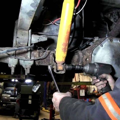 Замена амортизаторов Toyota Tundra