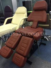 Педикюрно-косметологическое  кресло  LS-232