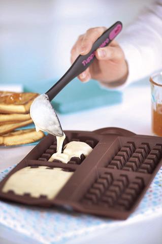 Мини половник и исиликоновая форма для вафель