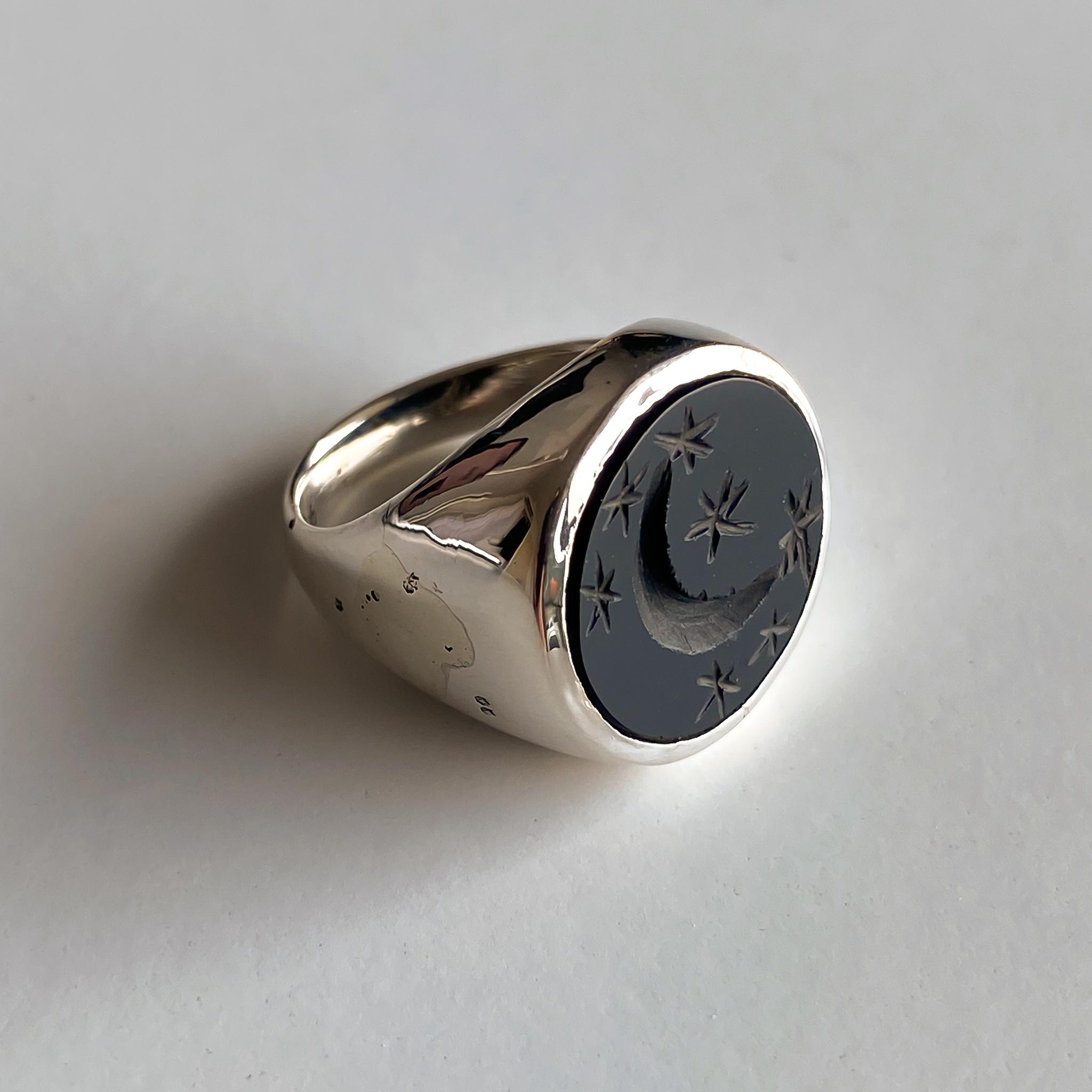 Кольцо-печатка с инталией 14.5 (оникс, круг, полумесяц и звезды)