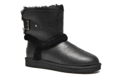 /collection/blaisendylyn/product/ugg-airehart-leather-black