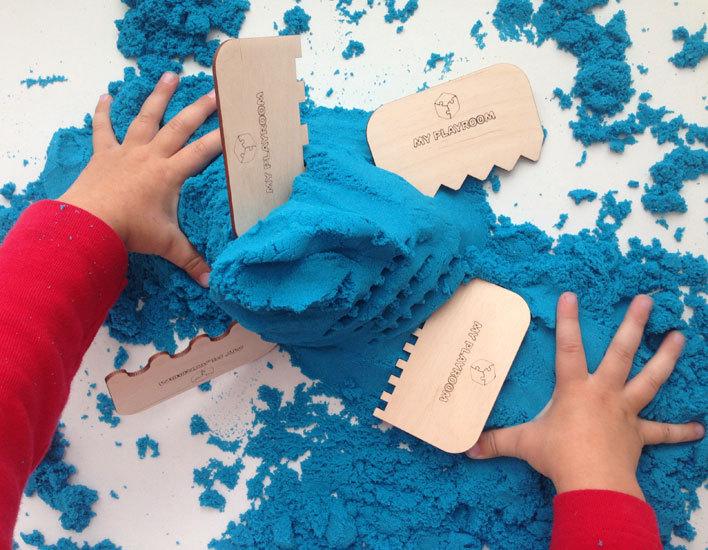 Фигурные отпечатки на космическом песке