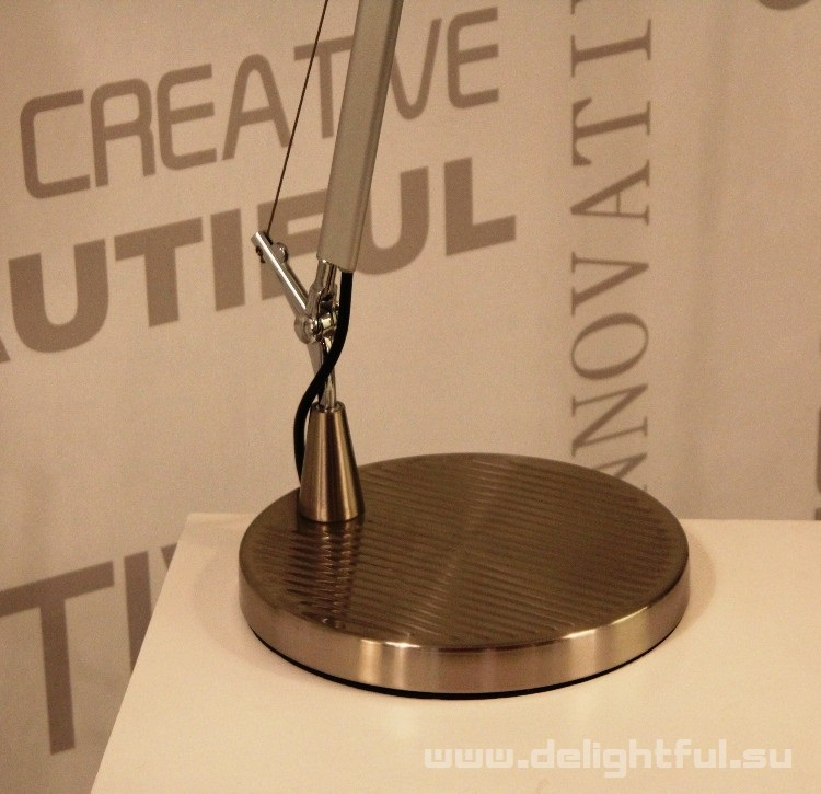 Art_Design_Artemide_Tolomeo_table_lamp_delightful_su_3