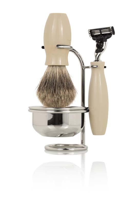 Бритвенный набор Mondial: станок, помазок, чаша, подставка.