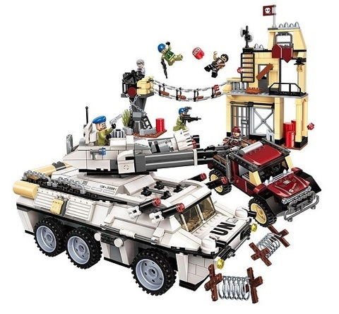 Конструктор Военная спецоперация Гром Бронированный автомобиль