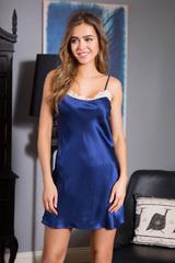 Темно-синяя короткая шелковая ночная сорочка